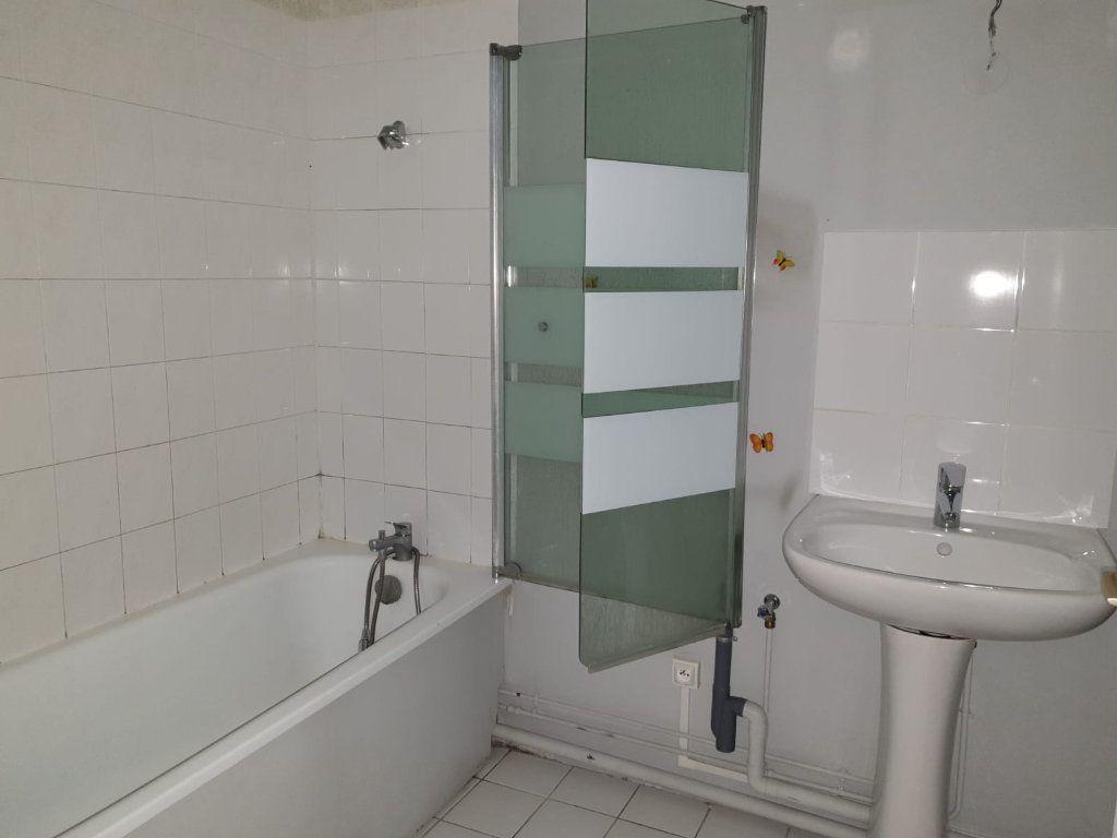 Appartement à louer 2 49.2m2 à Melun vignette-5