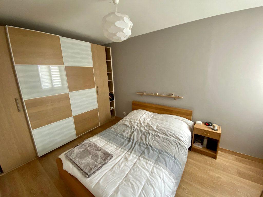 Appartement à vendre 2 35.68m2 à Saint-Fargeau-Ponthierry vignette-2