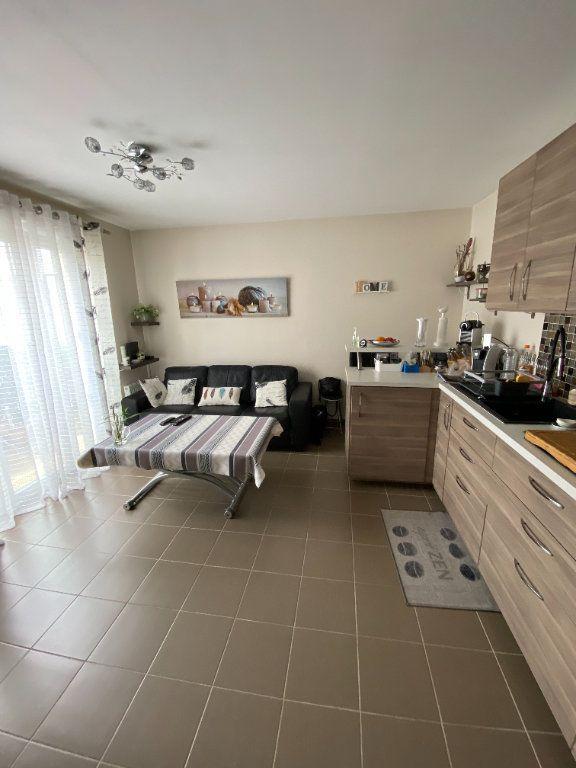 Appartement à vendre 2 35.68m2 à Saint-Fargeau-Ponthierry vignette-3