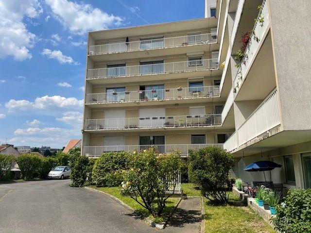 Appartement à vendre 5 109m2 à Melun vignette-1