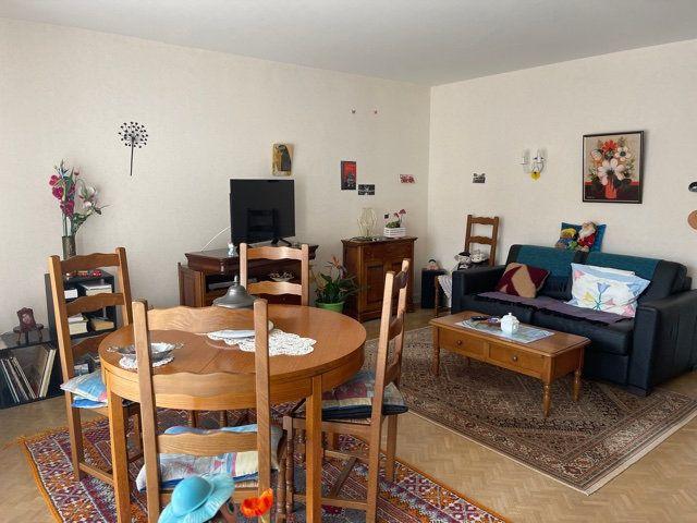 Appartement à vendre 5 109m2 à Melun vignette-4