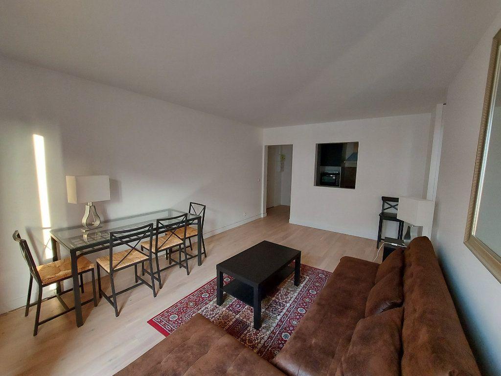 Appartement à louer 2 39.2m2 à Melun vignette-3