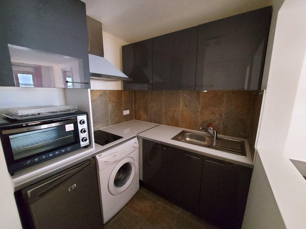 Appartement à louer 2 39.2m2 à Melun vignette-4