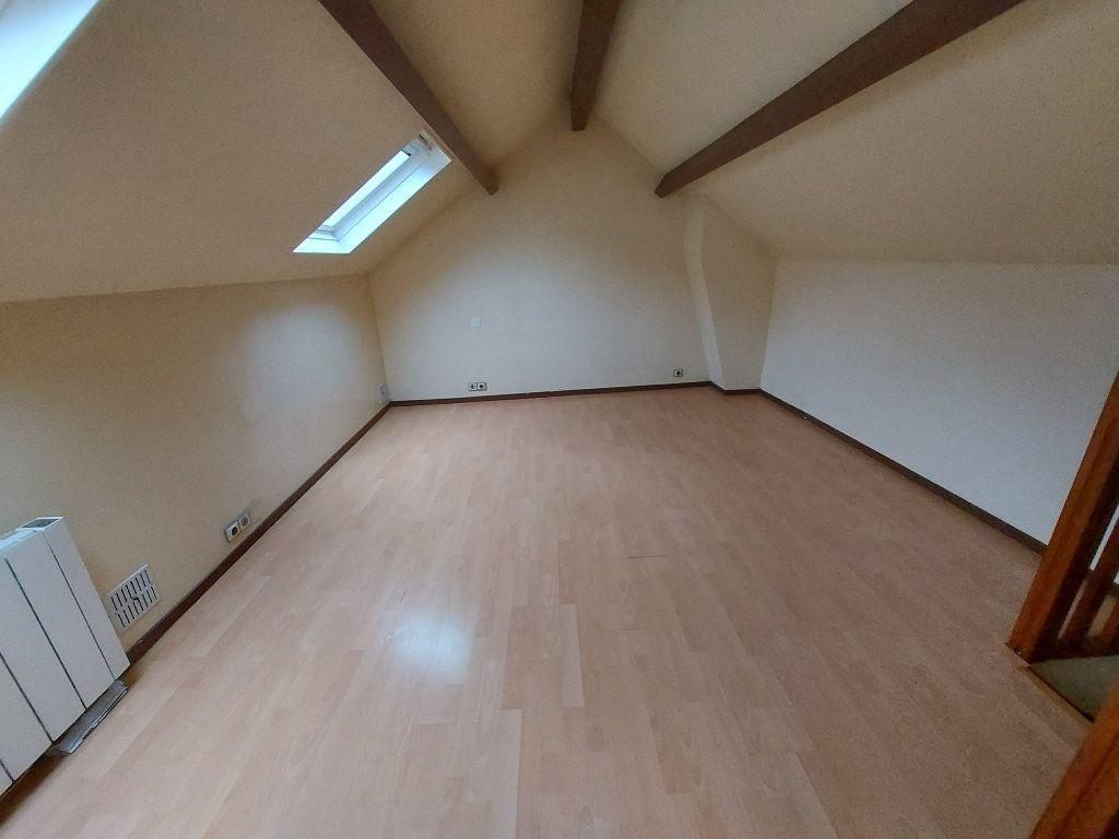Appartement à louer 1 27.94m2 à Melun vignette-2