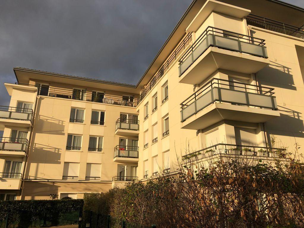 Appartement à vendre 2 46.93m2 à Melun vignette-2