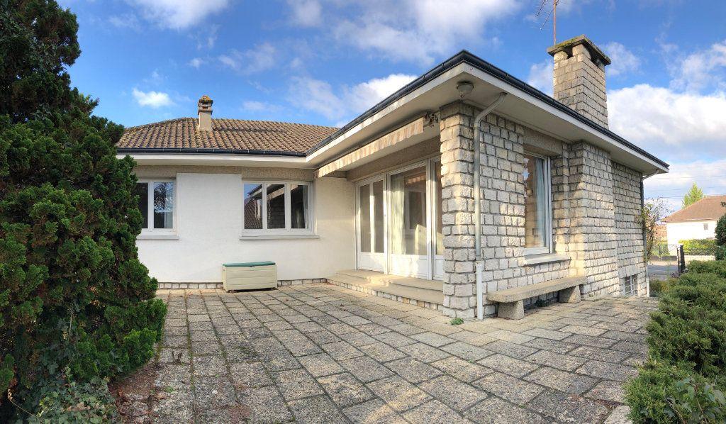 Maison à vendre 6 120m2 à Saint-Fargeau-Ponthierry vignette-1