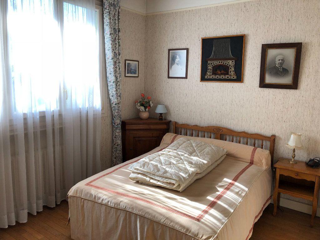 Maison à vendre 6 120m2 à Saint-Fargeau-Ponthierry vignette-7