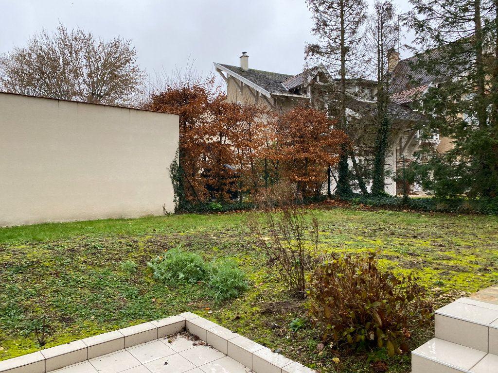 Appartement à vendre 2 49.95m2 à Fontainebleau vignette-15