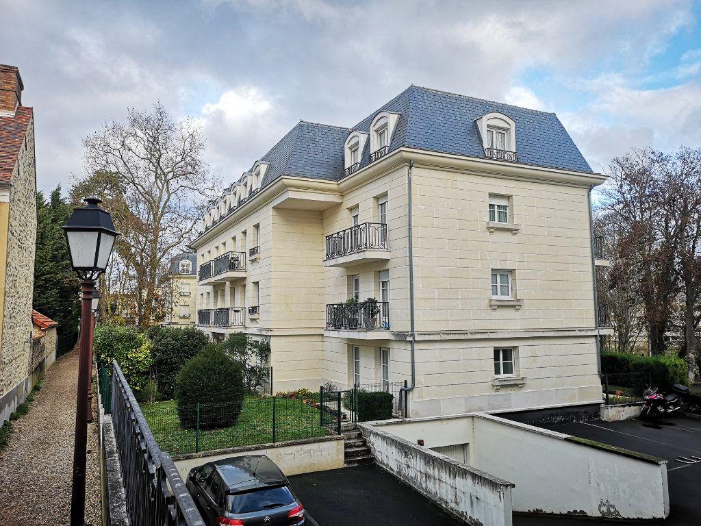 Appartement à vendre 2 48.98m2 à Saint-Fargeau-Ponthierry vignette-1