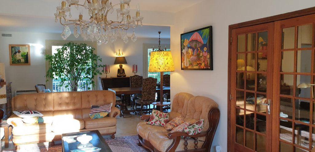 Maison à vendre 8 183m2 à Saint-Fargeau-Ponthierry vignette-3