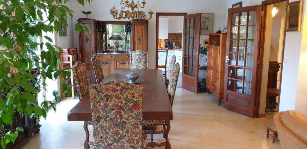 Maison à vendre 8 183m2 à Saint-Fargeau-Ponthierry vignette-5