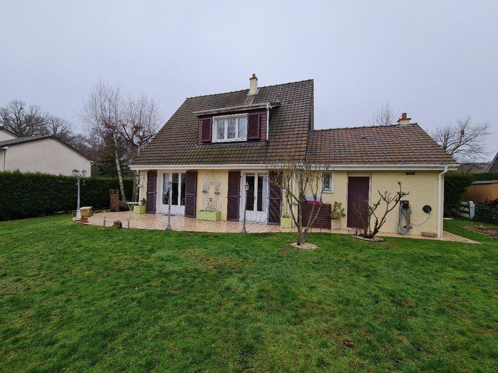 Maison à vendre 6 116m2 à Saint-Fargeau-Ponthierry vignette-1