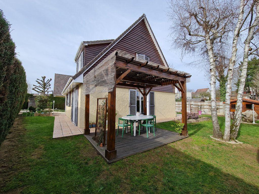 Maison à vendre 6 116m2 à Saint-Fargeau-Ponthierry vignette-3
