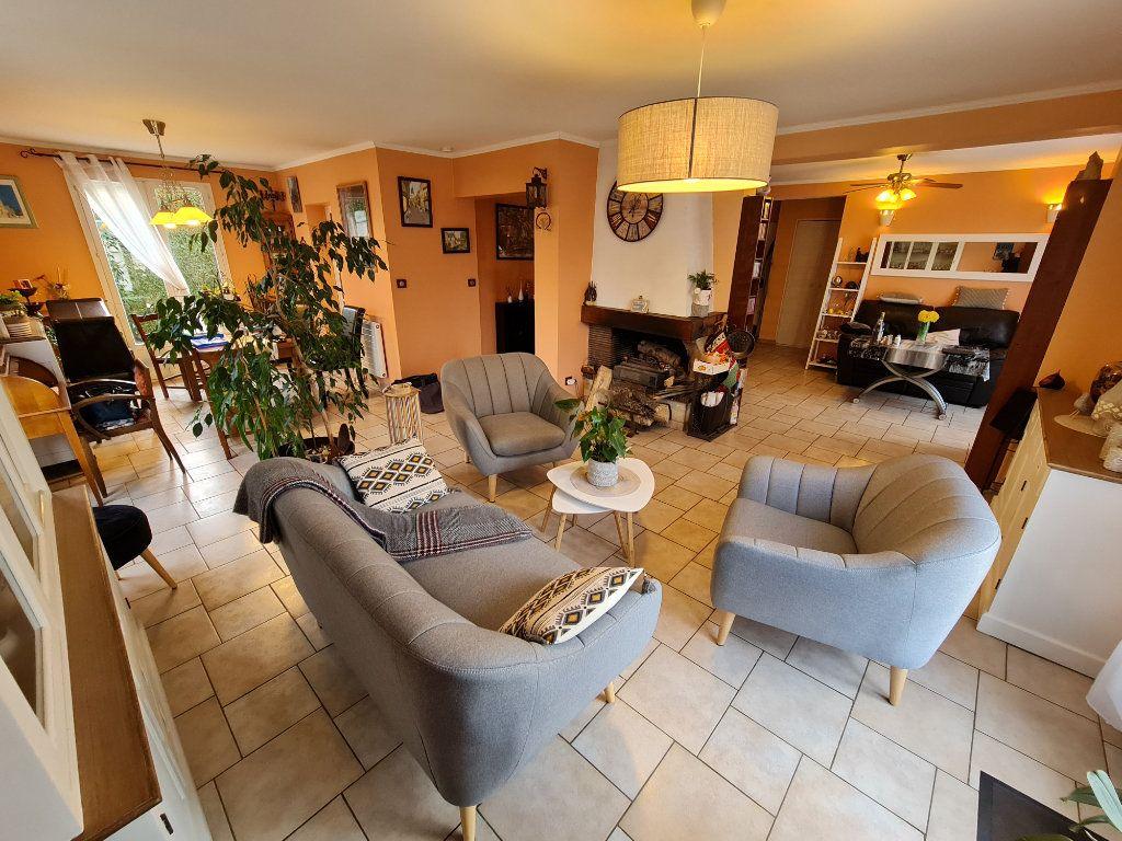 Maison à vendre 6 116m2 à Saint-Fargeau-Ponthierry vignette-5