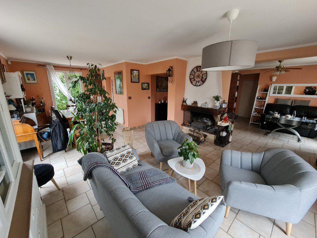 Maison à vendre 6 116m2 à Saint-Fargeau-Ponthierry vignette-6