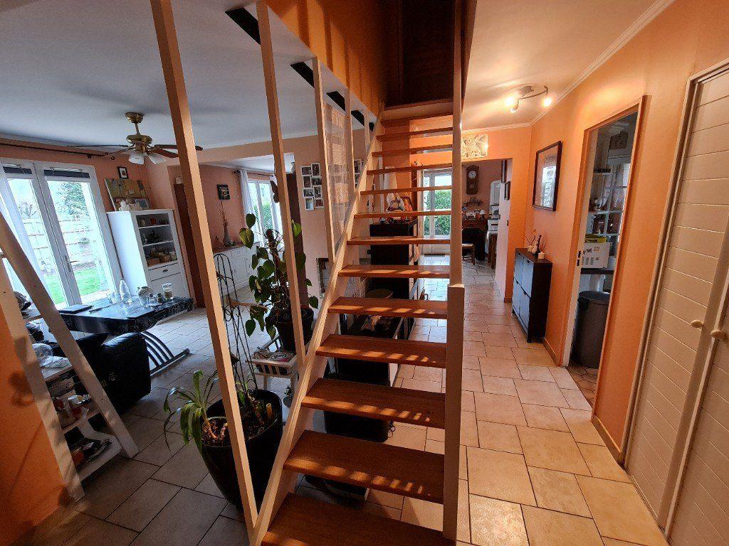 Maison à vendre 6 116m2 à Saint-Fargeau-Ponthierry vignette-8