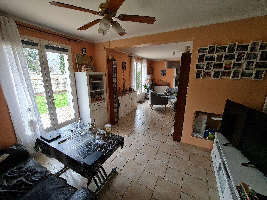 Maison à vendre 6 116m2 à Saint-Fargeau-Ponthierry vignette-9