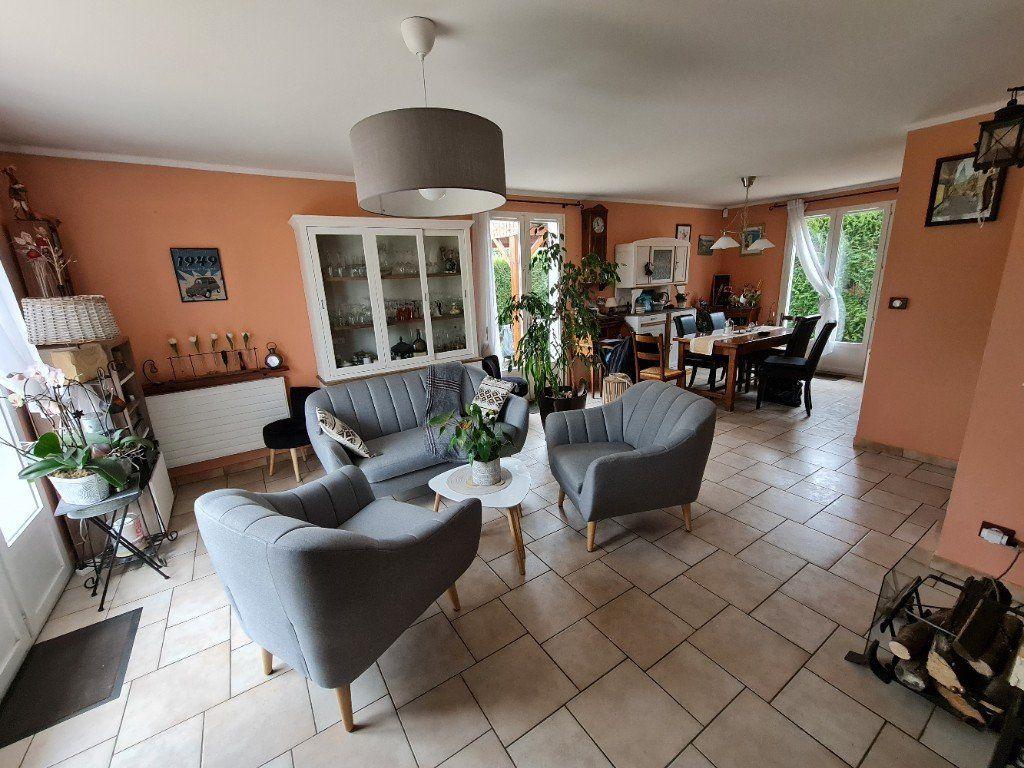 Maison à vendre 6 116m2 à Saint-Fargeau-Ponthierry vignette-11