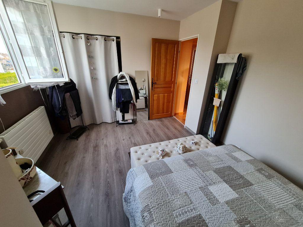 Maison à vendre 6 116m2 à Saint-Fargeau-Ponthierry vignette-17