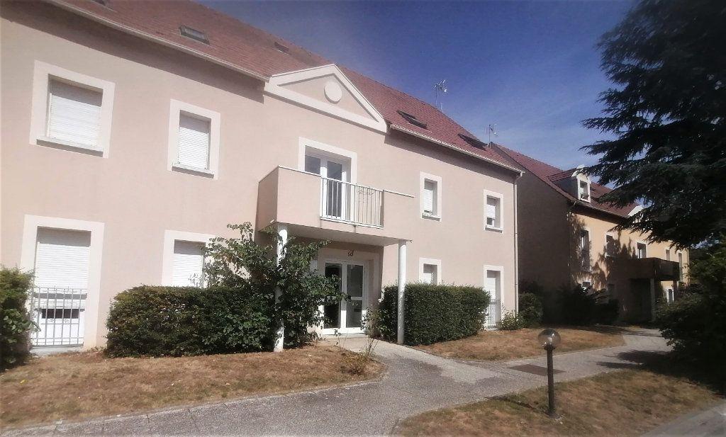 Appartement à louer 1 26.9m2 à Dammarie-les-Lys vignette-1