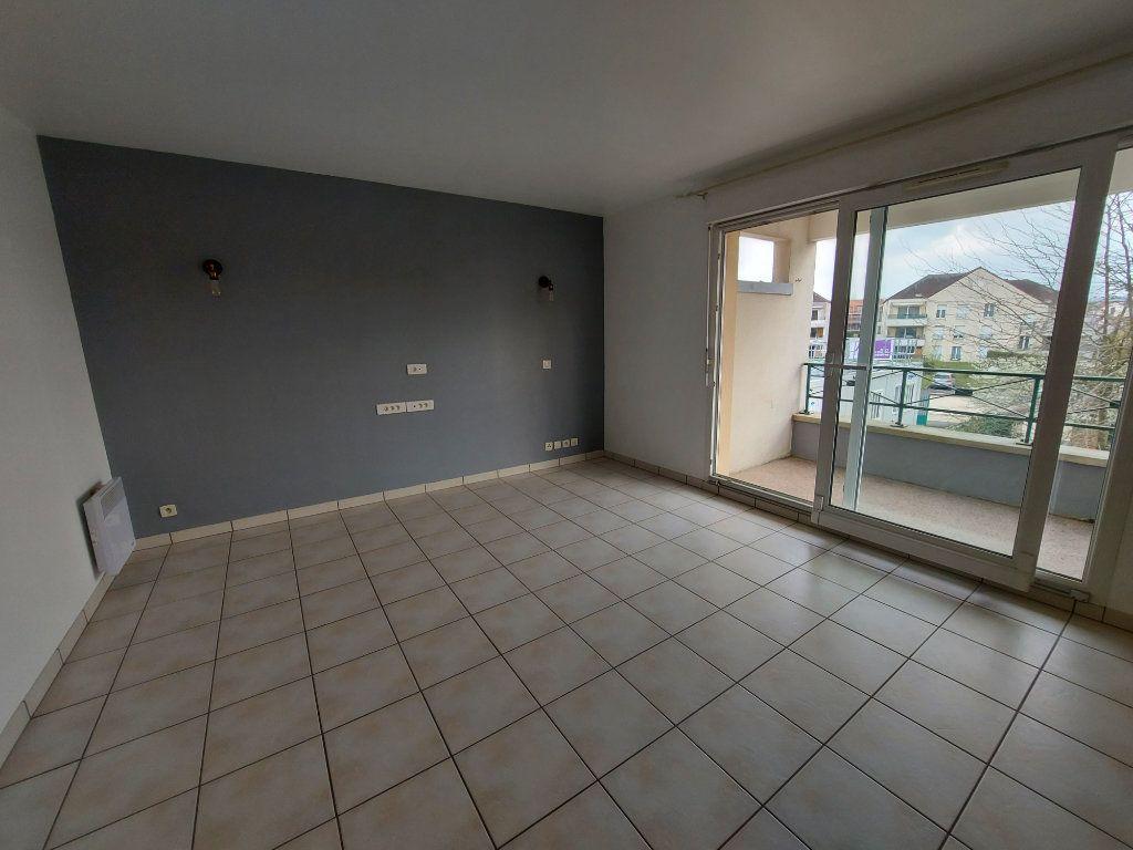 Appartement à louer 2 44.87m2 à Dammarie-les-Lys vignette-1