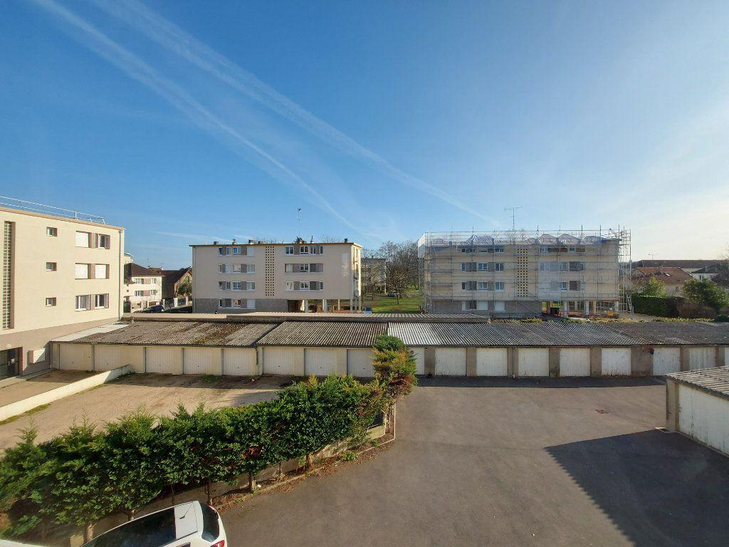 Appartement à louer 3 63.86m2 à La Rochette vignette-2