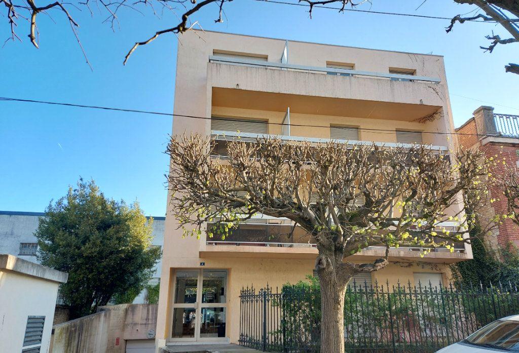 Appartement à louer 2 32.4m2 à Melun vignette-1