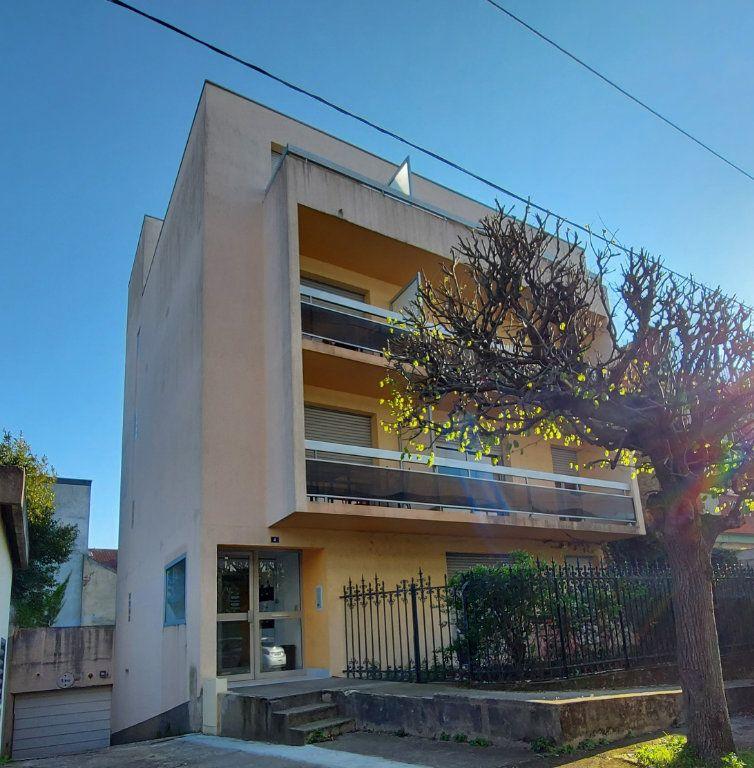 Appartement à louer 2 32.4m2 à Melun vignette-2