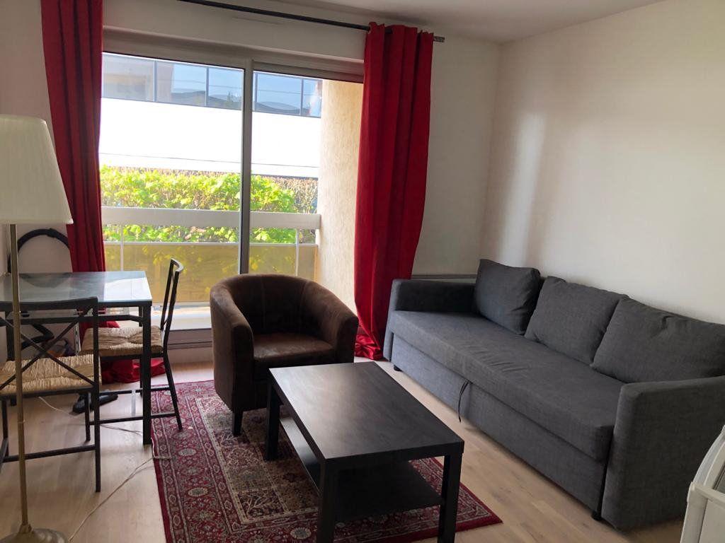 Appartement à louer 1 17.5m2 à Melun vignette-2