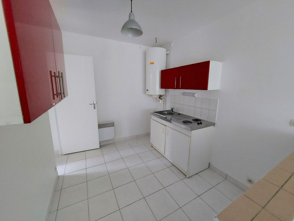 Appartement à louer 1 32.33m2 à Melun vignette-1
