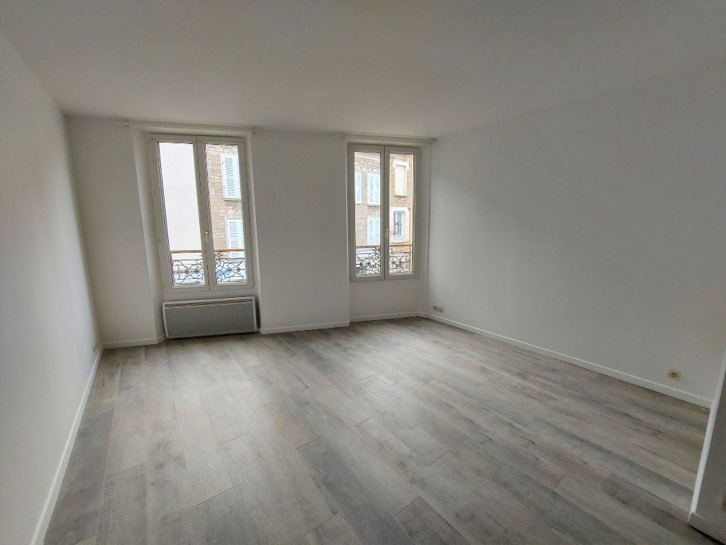 Appartement à louer 1 32.33m2 à Melun vignette-2