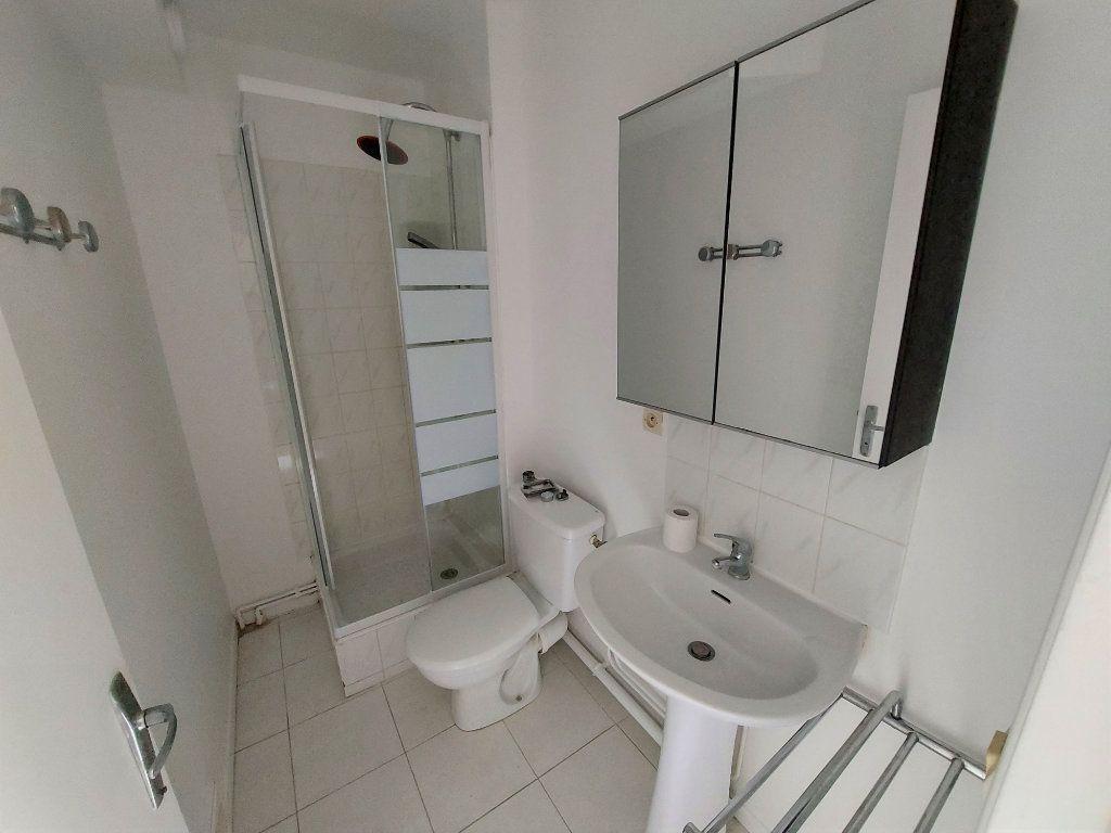 Appartement à louer 1 32.33m2 à Melun vignette-3