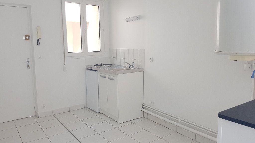 Appartement à louer 1 24.02m2 à Melun vignette-4