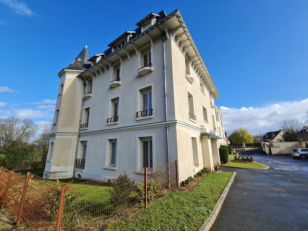 Appartement à vendre 4 81.66m2 à Saint-Fargeau-Ponthierry vignette-1