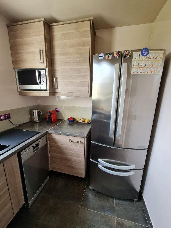 Appartement à vendre 4 81.66m2 à Saint-Fargeau-Ponthierry vignette-11
