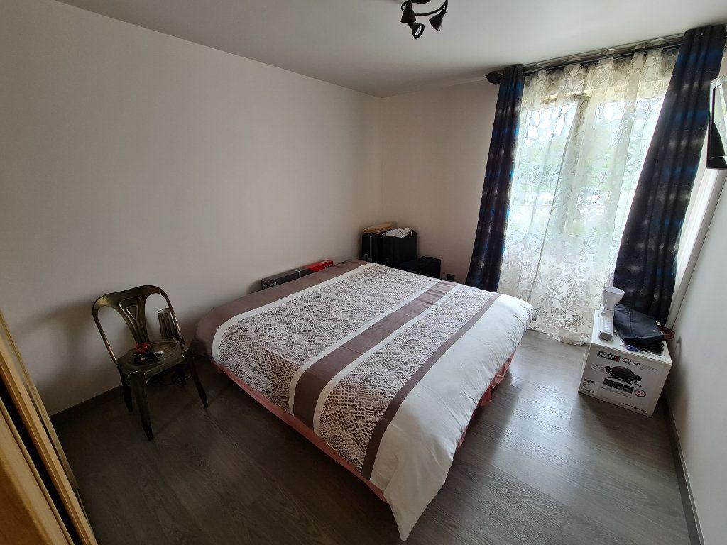 Appartement à vendre 4 81.66m2 à Saint-Fargeau-Ponthierry vignette-15
