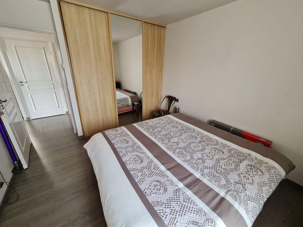 Appartement à vendre 4 81.66m2 à Saint-Fargeau-Ponthierry vignette-16