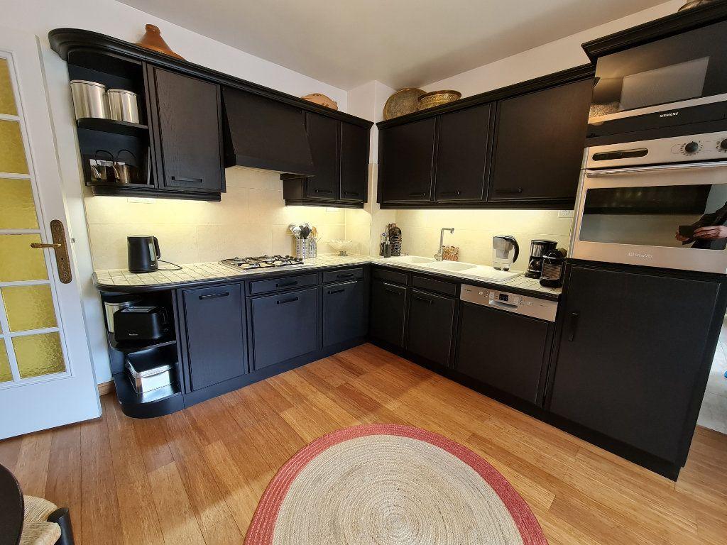 Appartement à vendre 9 211m2 à Melun vignette-5
