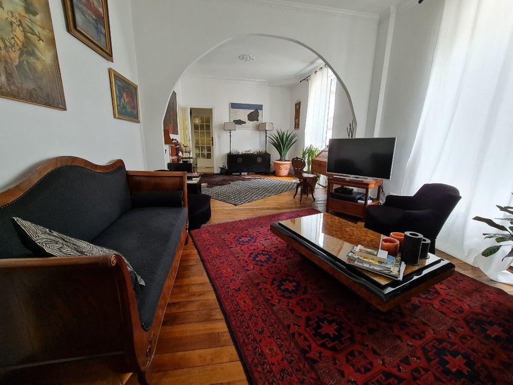 Appartement à vendre 9 211m2 à Melun vignette-8