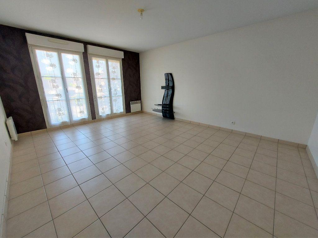 Appartement à louer 3 60.62m2 à Melun vignette-2