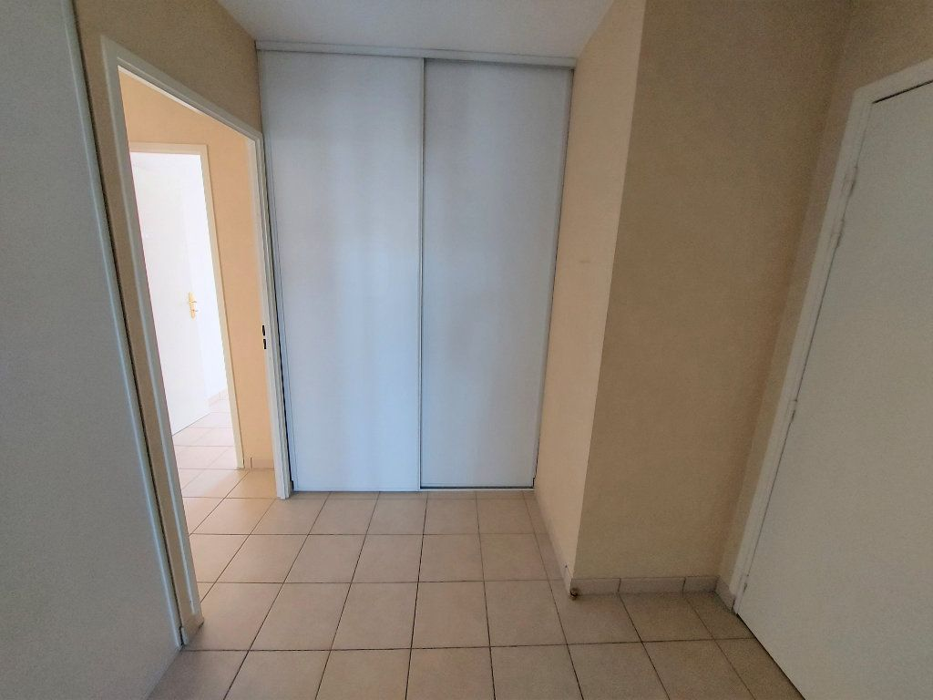 Appartement à louer 3 60.62m2 à Melun vignette-5