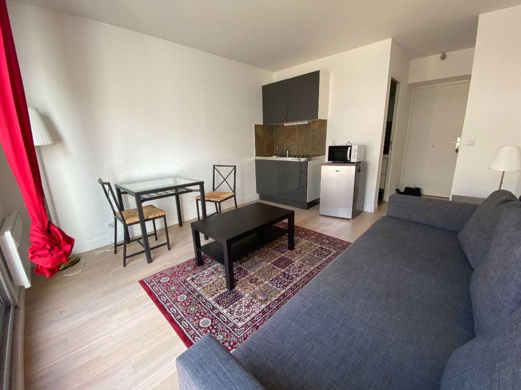 Appartement à louer 1 18.5m2 à Melun vignette-2