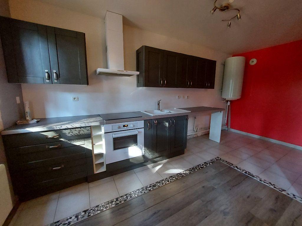 Appartement à louer 3 61.38m2 à Dammarie-les-Lys vignette-2