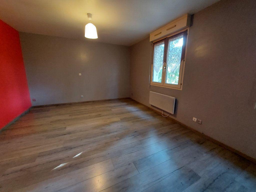 Appartement à louer 3 61.38m2 à Dammarie-les-Lys vignette-3