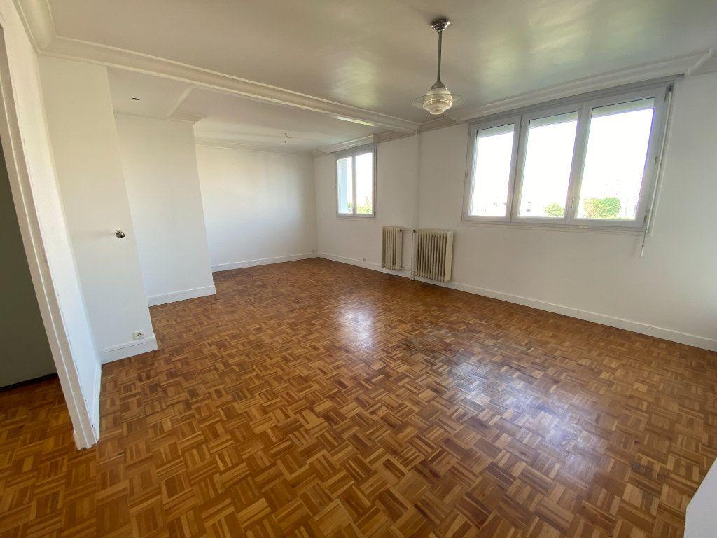 Appartement à louer 4 64.57m2 à Melun vignette-1