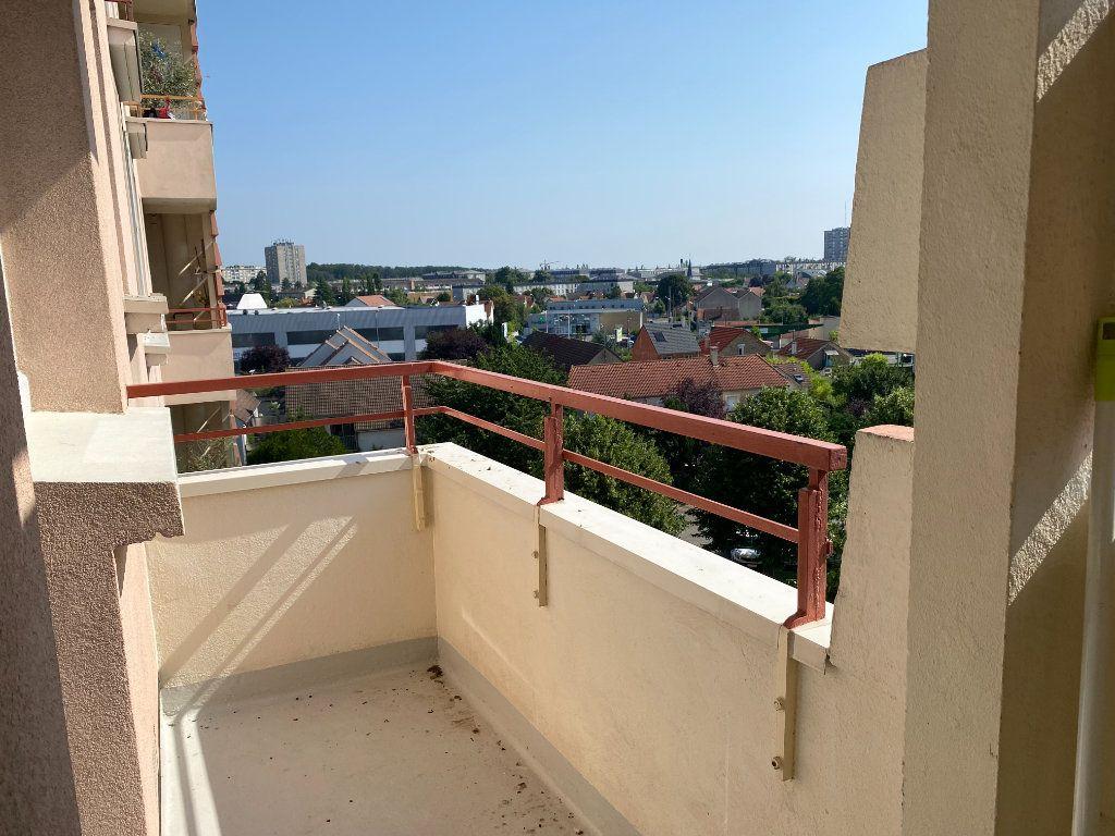 Appartement à louer 4 64.57m2 à Melun vignette-3