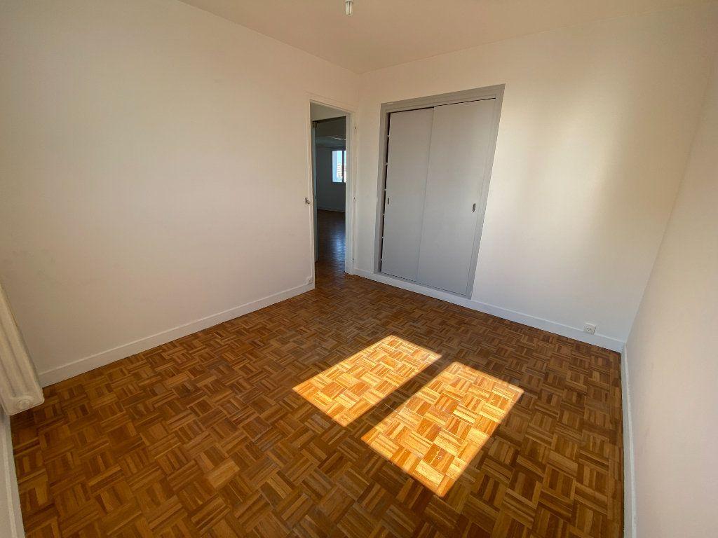 Appartement à louer 4 64.57m2 à Melun vignette-5