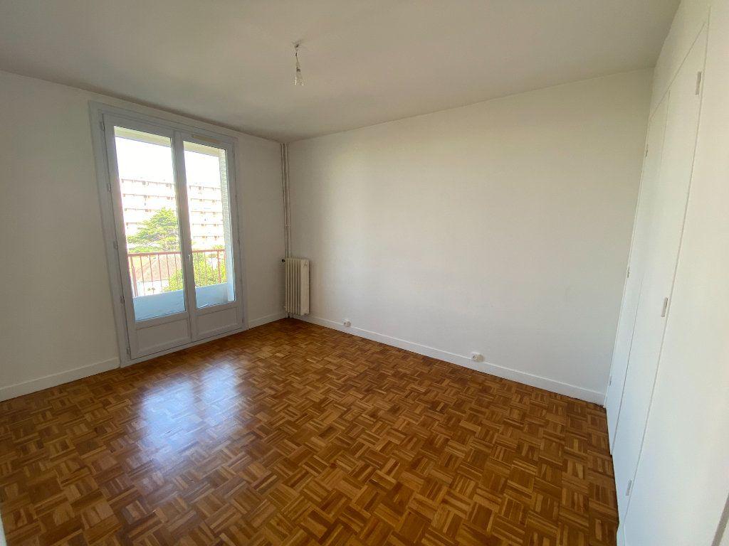 Appartement à louer 4 64.57m2 à Melun vignette-6