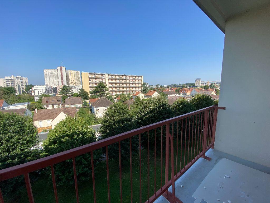 Appartement à louer 4 64.57m2 à Melun vignette-7