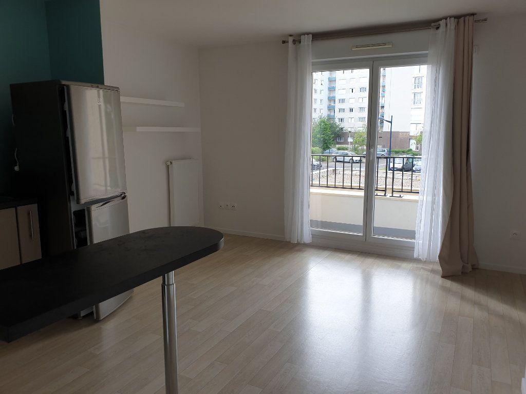 Appartement à louer 2 38.61m2 à Dammarie-les-Lys vignette-2